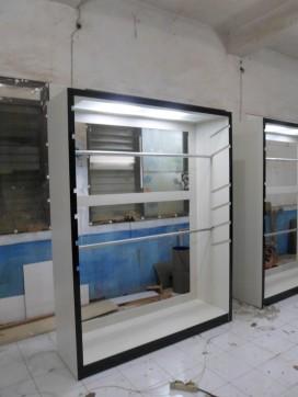 display lemari pakaian ketinggian bisa diatur (2)
